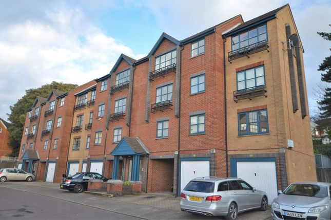 Thumbnail Flat to rent in Riverdene Place, Bitterne Park, Southampton