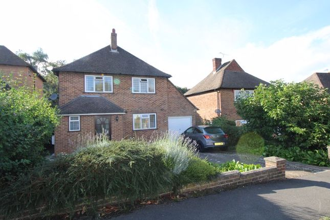 3 bed detached house to rent in Fairlawn Drive, East Grinstead RH19