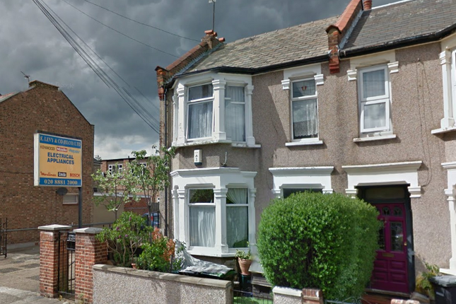 Thumbnail Terraced house to rent in Homecroft Road, Wood Green