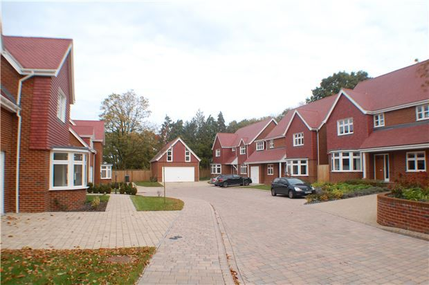 Thumbnail Detached house for sale in Copthorne Road, Felbridge, East Grinstead, West Sussex