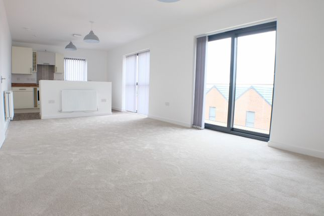 2 bed flat to rent in Sir Harry Secombe Court, Mariners Walk, Swansea SA1