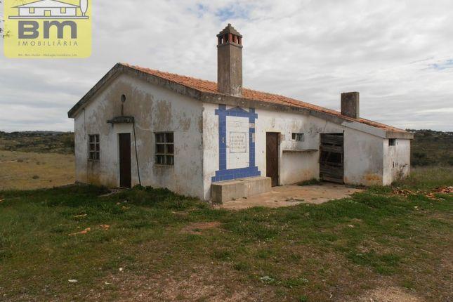 Thumbnail Detached house for sale in Malpica Do Tejo, Castelo Branco, Castelo Branco