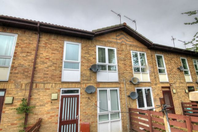 2 bed flat for sale in Houston Court, Newcastle Upon Tyne NE4
