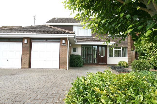 Thumbnail Detached house for sale in Bullpond Lane, Dunstable, Beds.