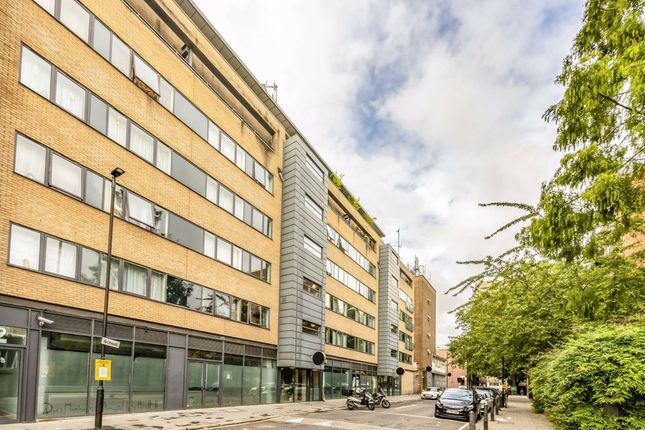 2 bed flat for sale in William Road, London NW1