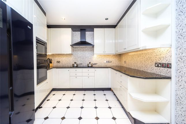 Thumbnail Property to rent in Park Rd, London