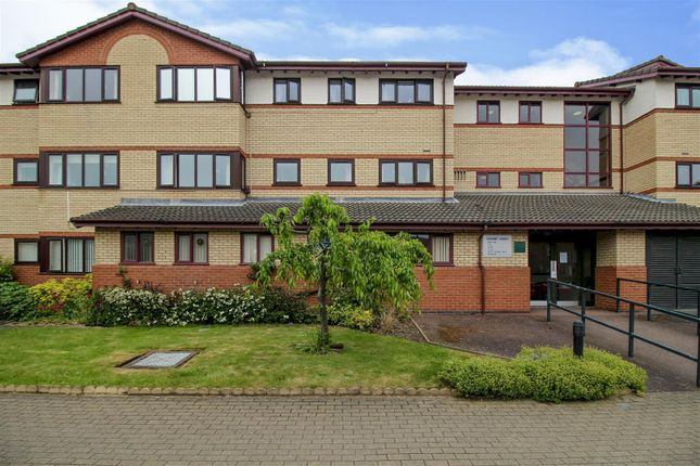 Thumbnail Flat for sale in Sandby Court, Chilwell, Nottingham