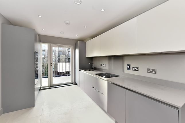 Thumbnail Flat for sale in Doggett Road, Catford