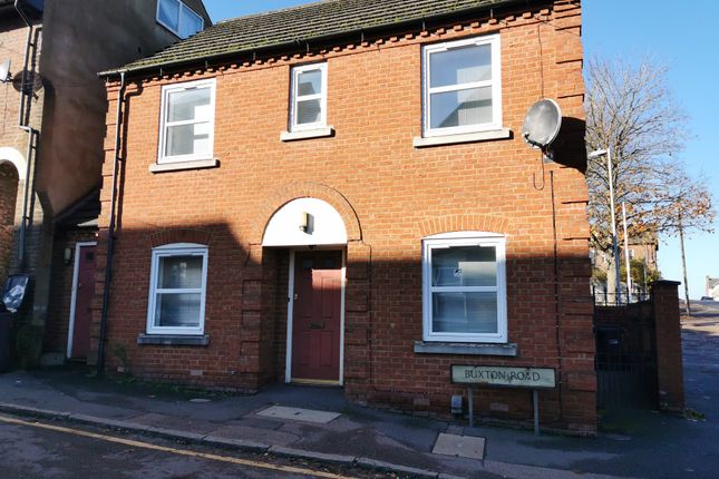Thumbnail Flat to rent in Buxton Road, Luton, Beds
