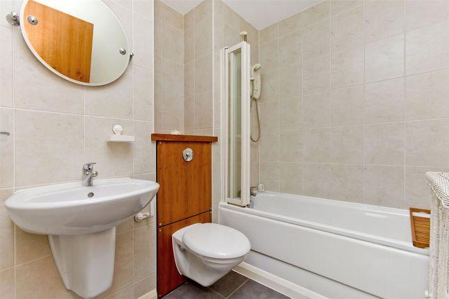 Bathroom of Portland Gardens, The Shore, Edinburgh EH6