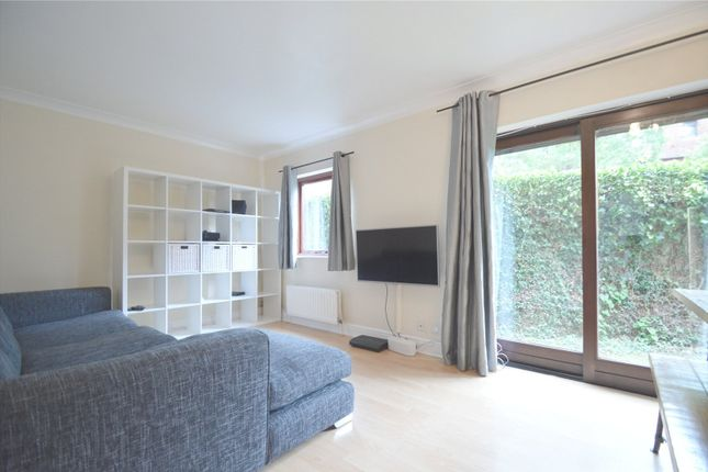 Flat for sale in Mayfair Court, 15 Park Hill Rise, Croydon