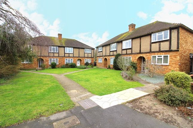 2 bed maisonette for sale in Lavender Hill, Enfield