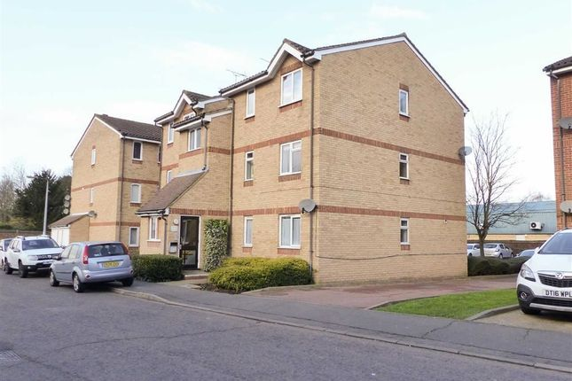 1 bed flat for sale in Howard Close, Waltham Abbey