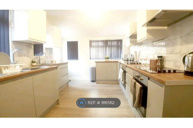 Large Kitchen of St. Michaels Mount, Abington, Northampton NN1