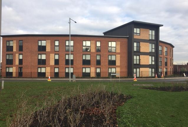 2 bedroom flat to rent in Queen Elizabeth Court, Flint