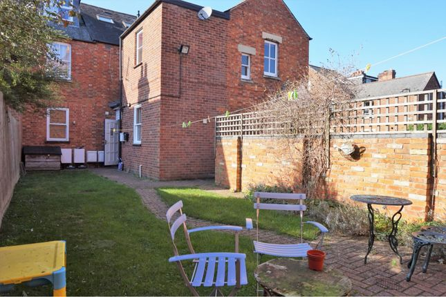 Communal Gardens of 21 Chilswell Road, Oxford OX1