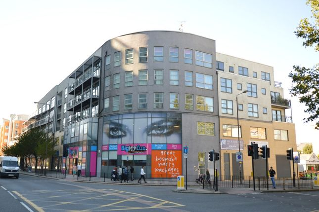 Thumbnail Flat to rent in Meridian Point, Creek Road, Greenwich