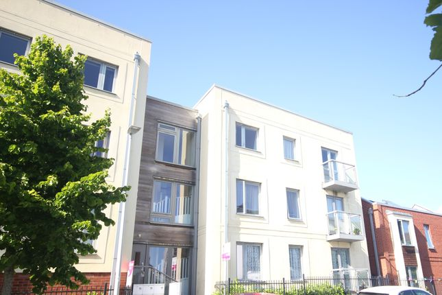 2 bed flat to rent in Phelps Road, Devonport, Plymouth PL1