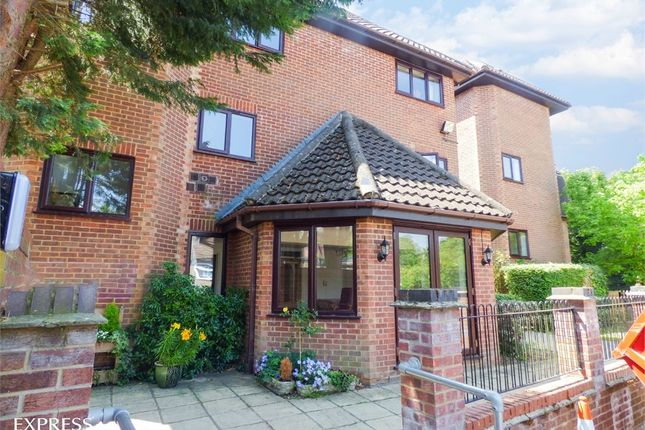 Thumbnail Flat for sale in Lorne Road, Warley, Brentwood, Essex