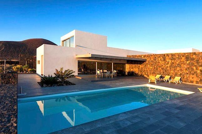 Thumbnail Villa for sale in Lajares - Luxury Villa, Lajares, Fuerteventura, Canary Islands, Spain