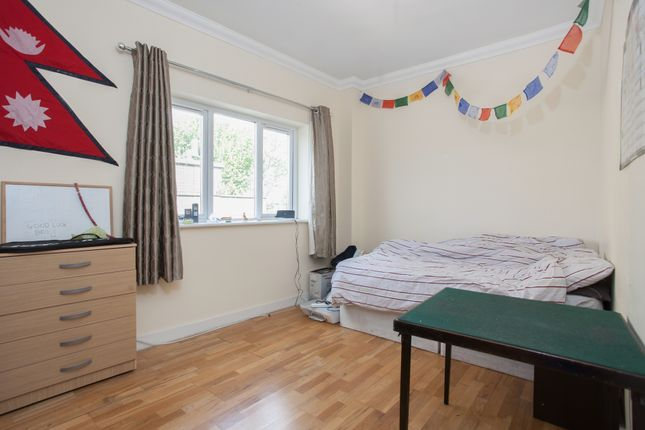 Thumbnail Duplex to rent in Hendre Road, Elephant And Castle, London