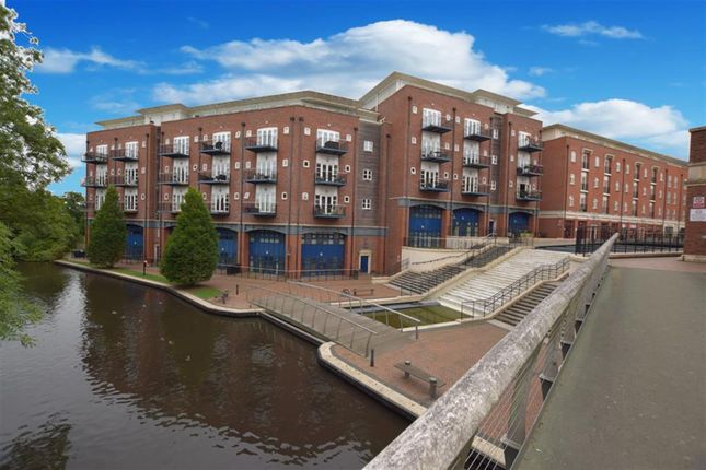 Thumbnail Flat for sale in Waterside, Shirley, Solihull