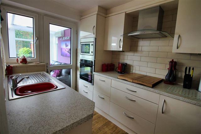 Kitchen of Finch Rise, Aston, Sheffield S26