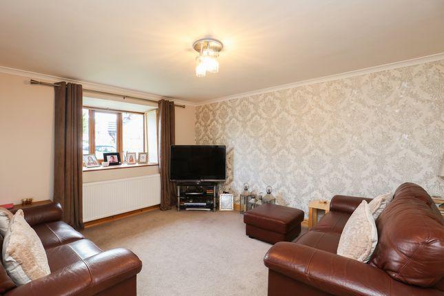 Lounge of Castlerow Close, Sheffield S17