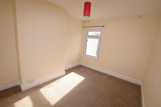 Bedroom 2 of Evelyn Street, Barry CF63