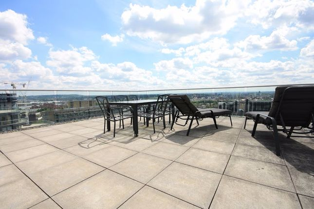 Thumbnail Flat to rent in Millharbour, London