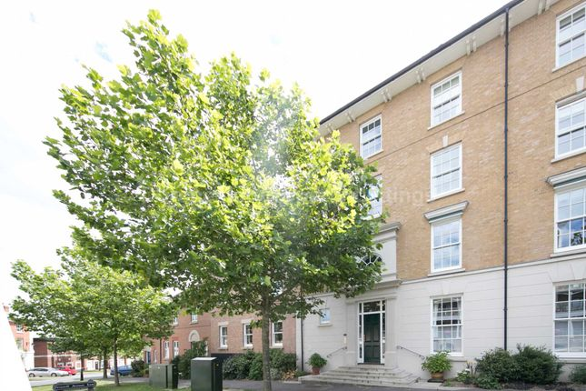 2 bed flat to rent in Peverell Avenue East, Dorchester DT1