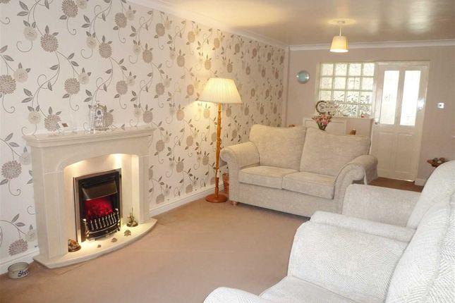 Lounge of Kinder Avenue, Cowlersley, Huddersfield HD4