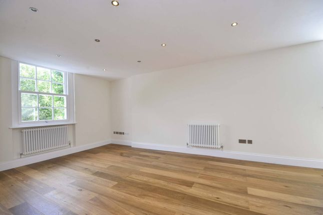 Thumbnail Flat to rent in Regents Park Road, Finchley