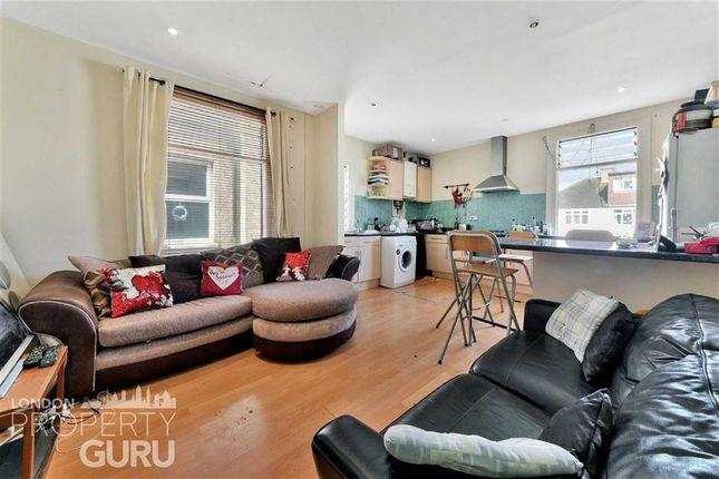 Thumbnail Flat for sale in Oxford Avenue, Raynes Park, London