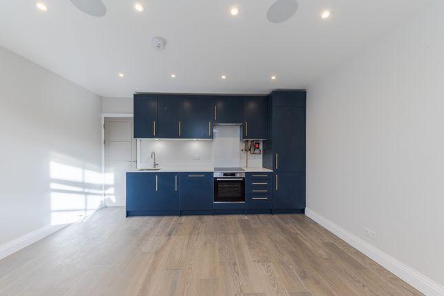 Thumbnail Flat to rent in Malvern Road, London