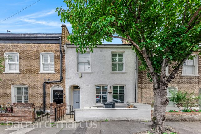 Thumbnail Flat for sale in Short Road, London