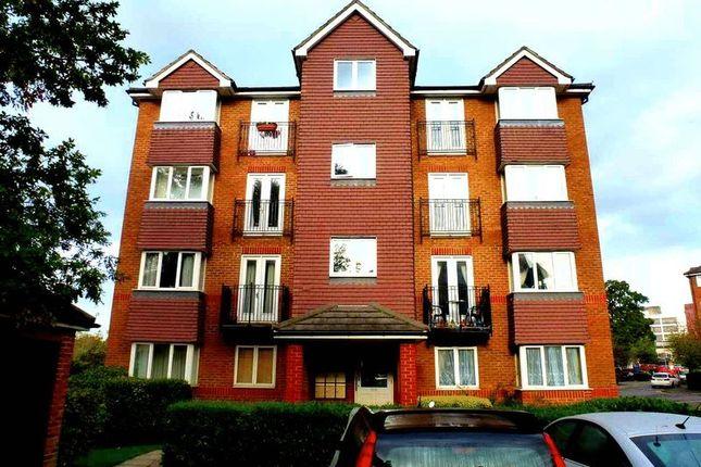 Thumbnail Flat to rent in Jemmett Close, Norbiton, Kingston Upon Thames