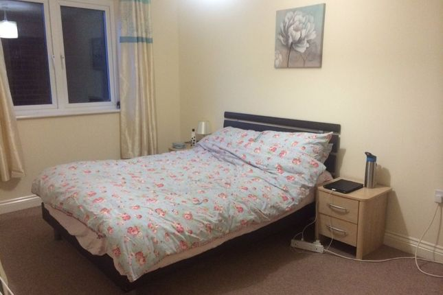 Thumbnail Flat to rent in Julius House, New North Road, Exeter