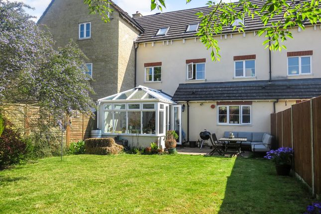 Thumbnail Town house for sale in Zander Road, Calne