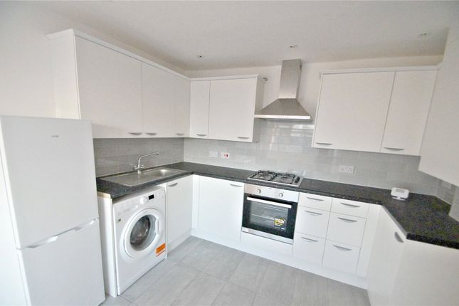 Thumbnail Flat to rent in Cross Court, Plomer Green Avenue, Downley, High Wycombe