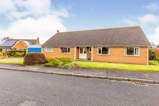 4 bed bungalow for sale in Willins Close, Hutton Rudby, North Yorkshire, Uk TS15