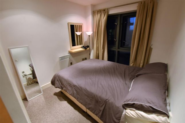 Bedroom of The Habitat, Woolpack Lane, Nottingham NG1