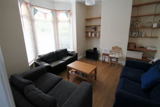 Thumbnail Terraced house to rent in Norwood Grove, Hyde Park, Leeds