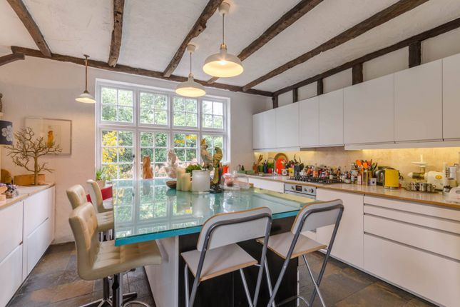 Thumbnail Property for sale in Bigwood Road, Hampstead Garden Suburb, London