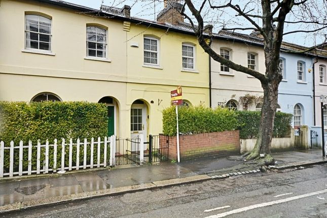Thumbnail Cottage for sale in Chiswick Road, London