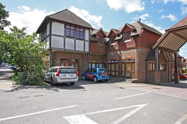 Flat for sale in Gravelbank, London Road, Hurst Green, Etchingham