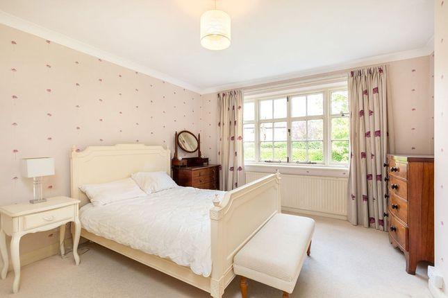 Bed 2 of Heyes Lane, Alderley Edge SK9