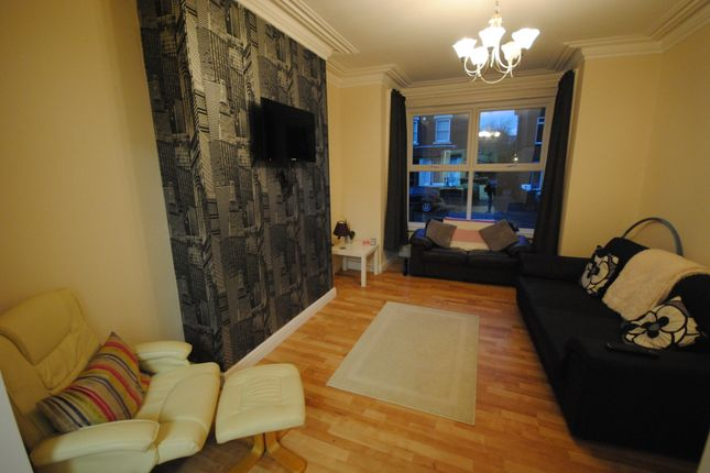 Thumbnail Terraced house to rent in 9 Stanmore Road, Burley Park LS4 2Ru