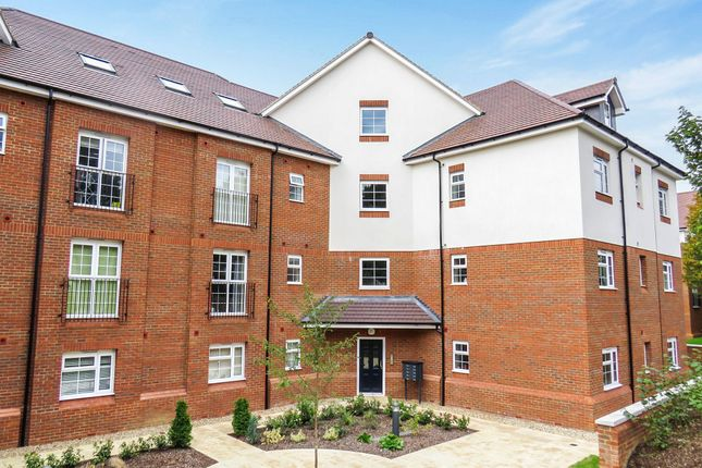 Thumbnail Penthouse to rent in Millstone Way, Harpenden