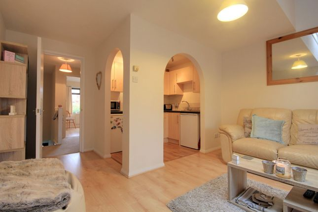Living Kitchen of Rowe Court, Grovelands Road, Reading RG30